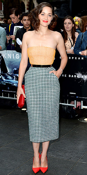 marion-cotillard-dior-haute-couture-dress-beauty-and-the-beat-blog